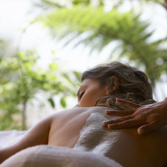 Mud or Manuka Honey Massage